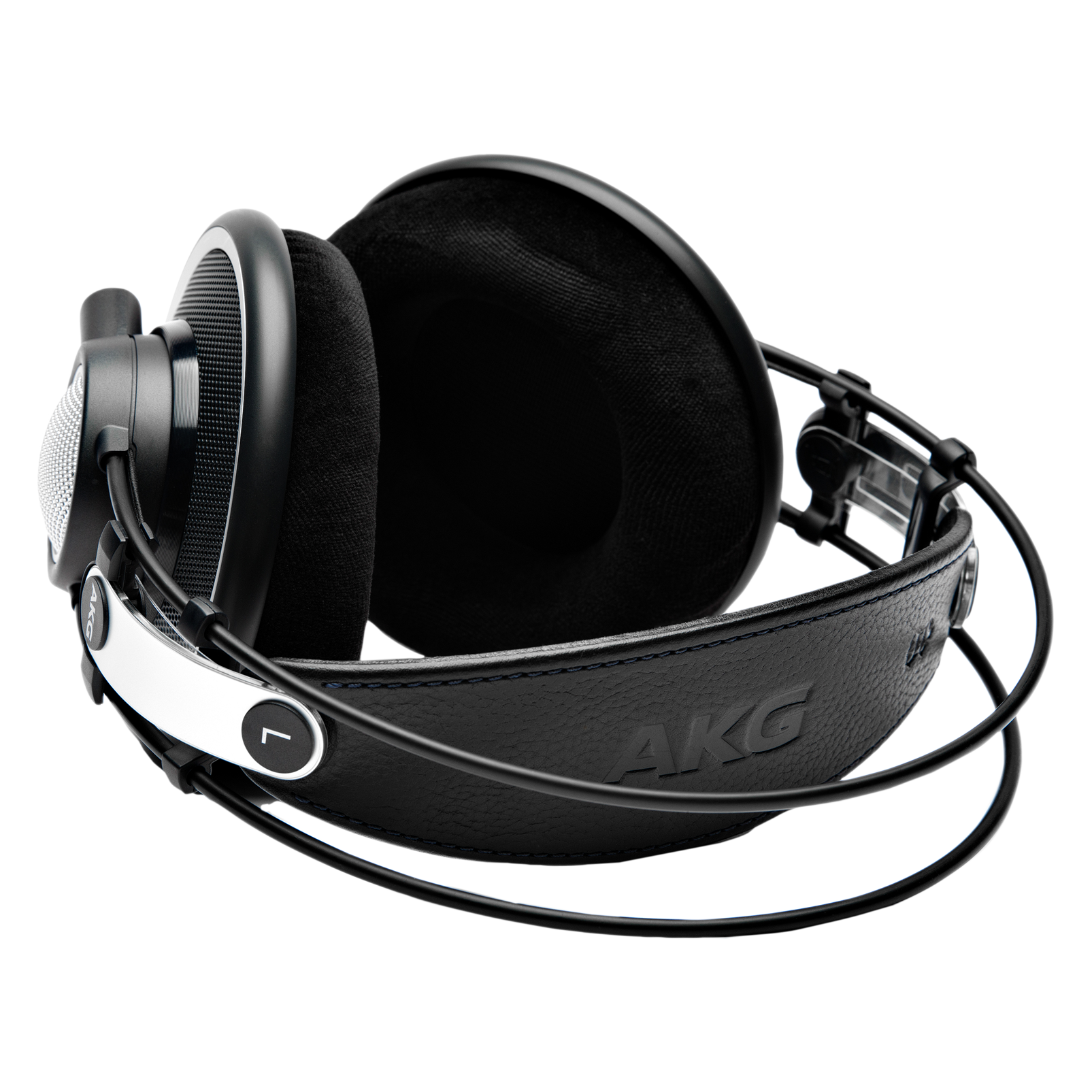K702 - Black - Reference studio headphones - Detailshot 1